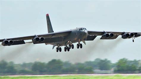 B-52 Stratofortress Bombers In Action - YouTube