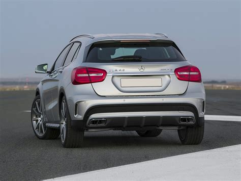 2016 Mercedes-Benz AMG GLA - Price, Photos, Reviews & Features