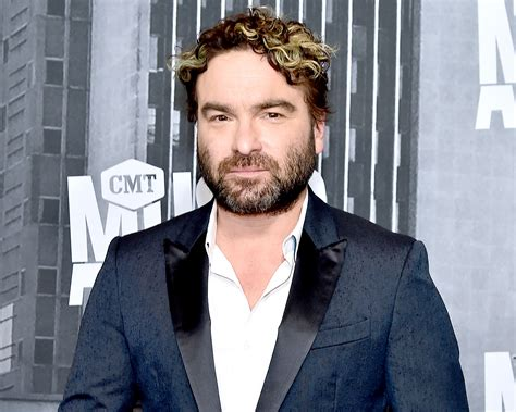 Johnny Galecki Thanks Firefighters After His House Burns