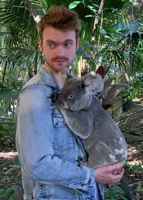 Finneas O'Connell Height, Weight, Age, Body Statistics