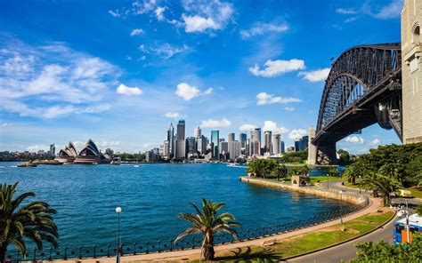 Teen Tries to Fly to Sydney, Australia and Ends up in
