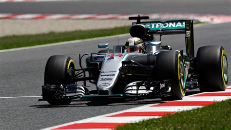 2016 'Perfect' Lewis Hamilton wins another F1 Grand Prix