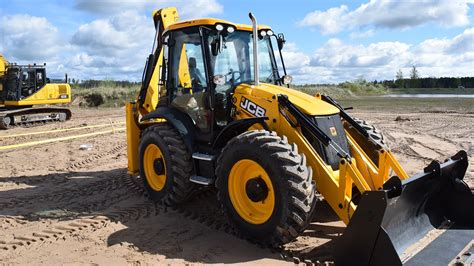 JCB 4CX (1080p) - YouTube