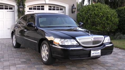 2007 Lincoln Town Car Executive L Livery Review and Test