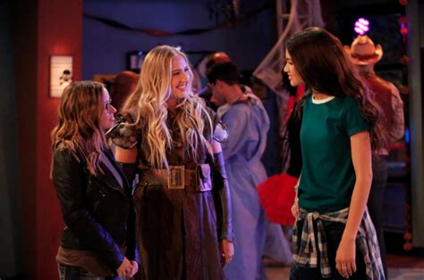 Disney Channel 'Monstober' 2016 Schedule: Halloween-Themed